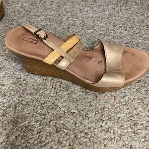 Gold UGG Wedge Pumps Sz 7